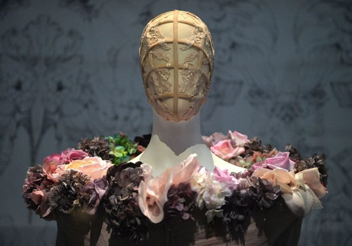 Alexander McQueen: Savage Beauty Fashion